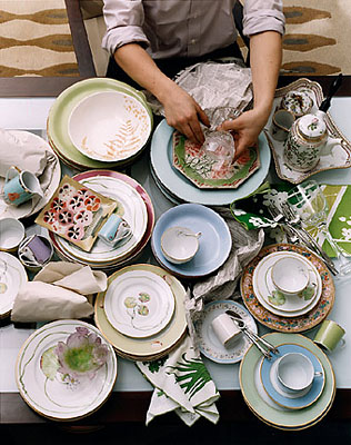 2002_003_wrapping-dishes.jpg